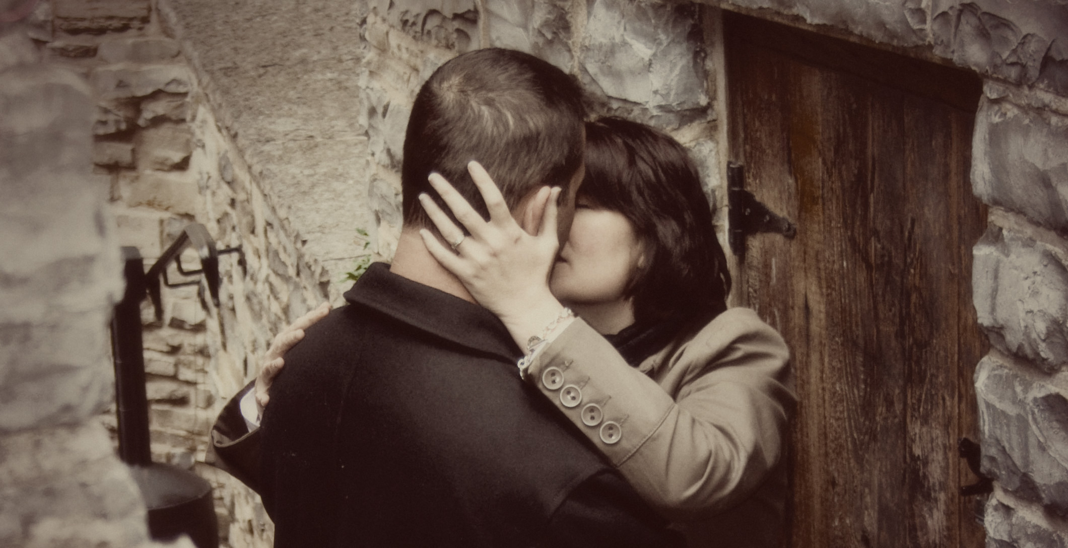 Crop kiss