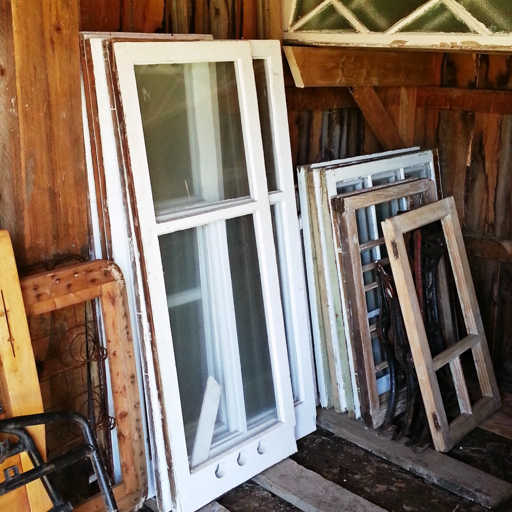 WindowCabinet | Vin'yet Etc.