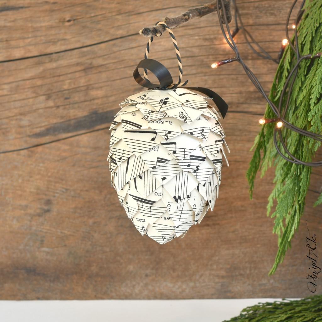 A-pinecone-christmas-DIY-ornaments-vinyetETC