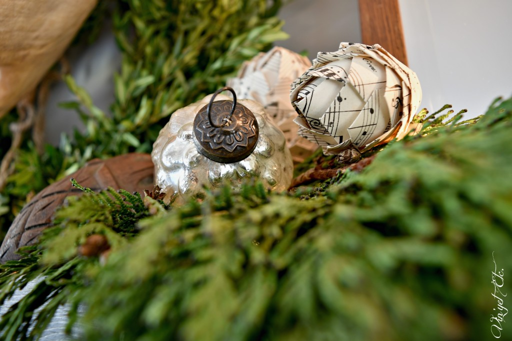 Simple-farmhouse-mantel-pinecones | Vin'yet Etc.