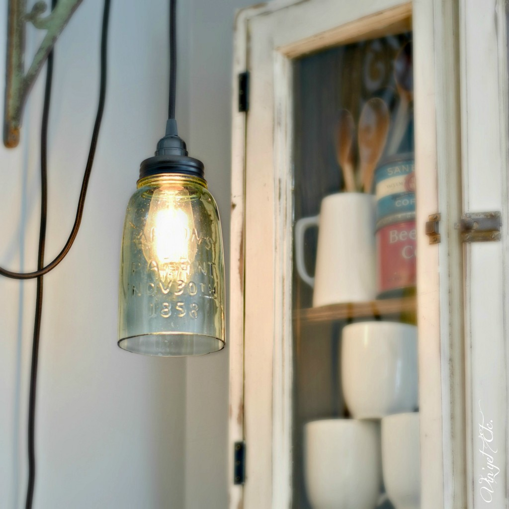DIY-MasonJar-Farmhouse-Light | Vin'yet Etc.
