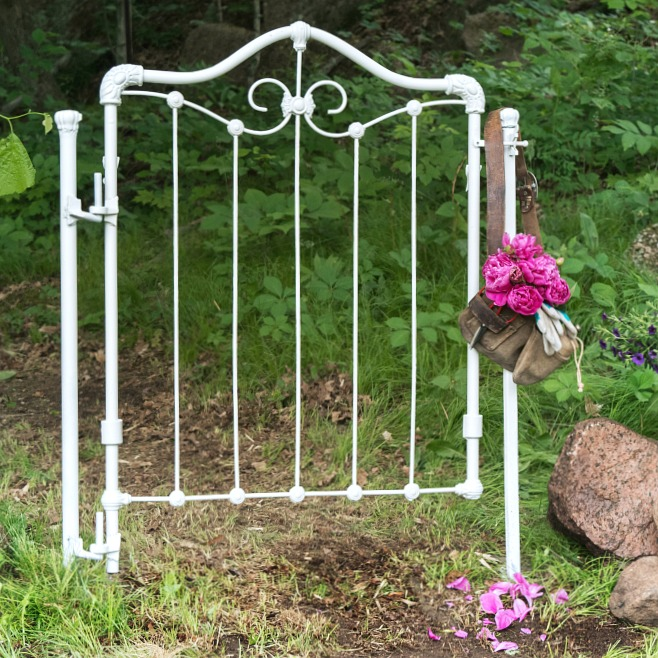 DIY-Secret-garden-gate | Vin'yet Etc.