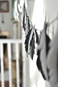 DIY felt feather garland – Vin'yet Etc.