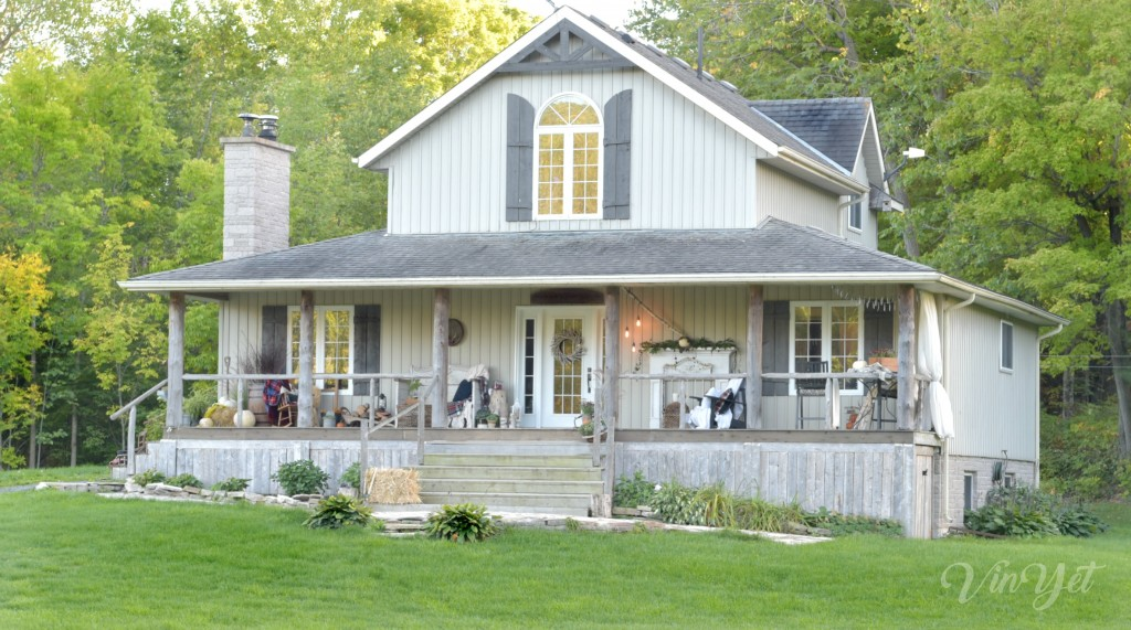 canadianfallhometour-vinyetetc-rustic-porch-tour
