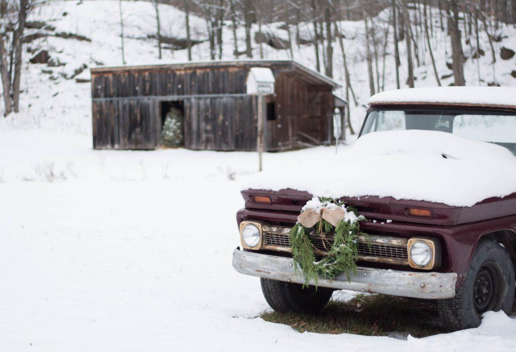 Christmas porch tour - VinYet Etc.
