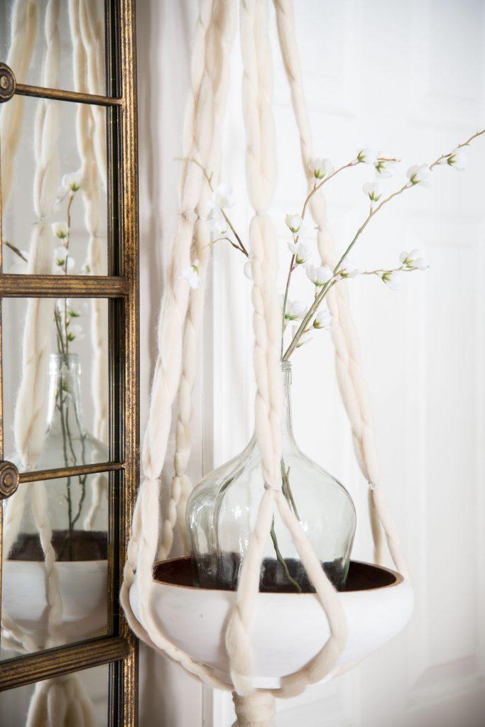 Simple Spring Entrance - Vinyet Etc